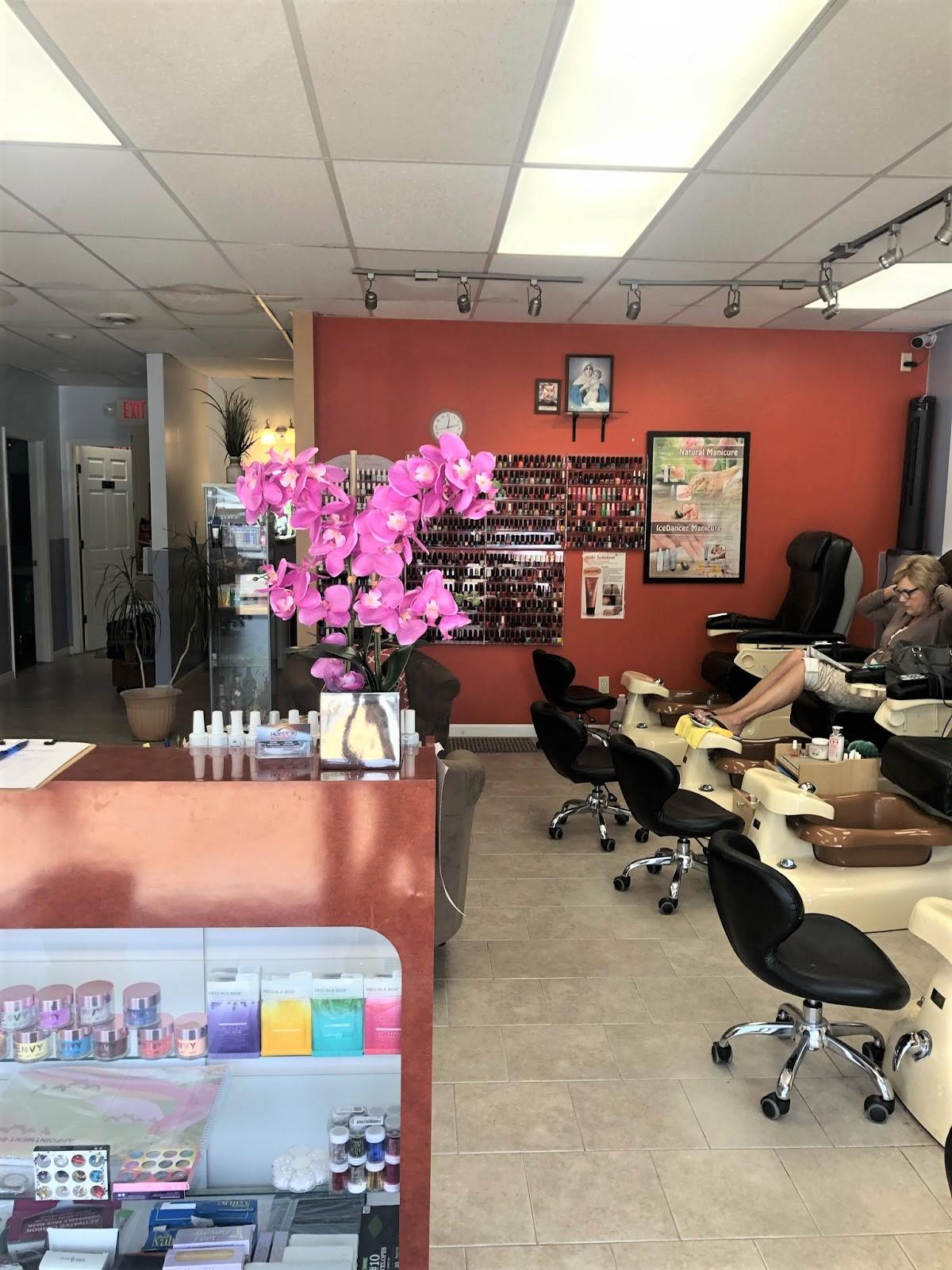 Nail salon 63141 - Nail salon in Creve Coeur - Nail care salon
